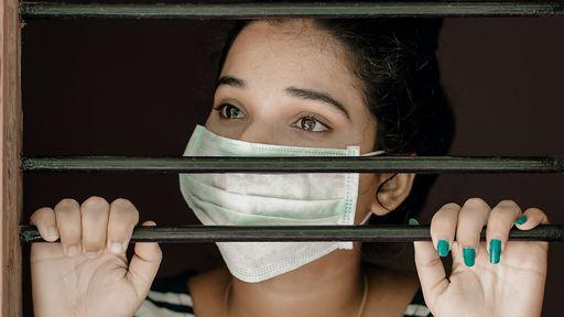 A perigosa relação entre a síndrome do pânico e a pandemia