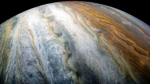 Missão Juno da NASA desvenda mistério sobre relâmpagos em Júpiter