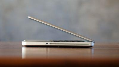 Apple oferece substituição gratuita de bateria em alguns modelos de MacBook Pro