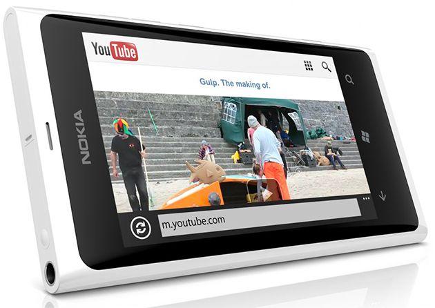 Lumia 800 branco (Imagem: Divulgação)