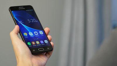 Por R$ 1,2 mil, Samsung lança nova versão do J7 Prime com TV digital