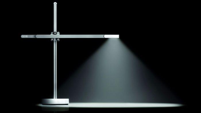 Jovem cria lâmpada capaz de durar a vida inteira