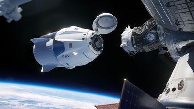 Rússia trata com desdém o sucesso da Crew Dragon durante missão de teste na ISS