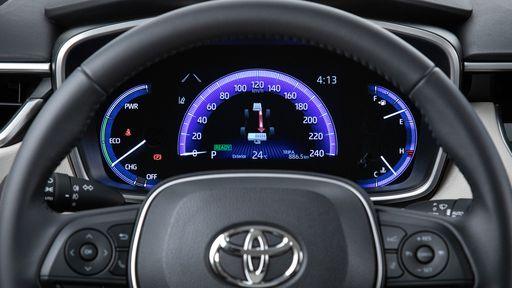 Crise dos semicondutores: Toyota paralisa produção de alguns carros no Brasil