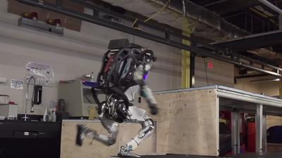 Os robôs da Boston Dynamics agora praticam parkour