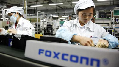 """Foxconn estuda se mudar para o Vietnã para driblar """"guerra"""" entre EUA e China"""