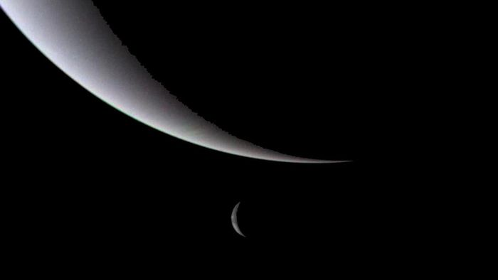 Essas luas de Netuno fazem uma espécie de dança orbital para impedir colisões
