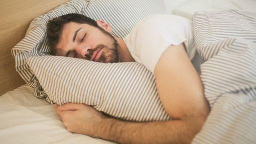 Coronavírus prefere quem dorme mal? Entenda