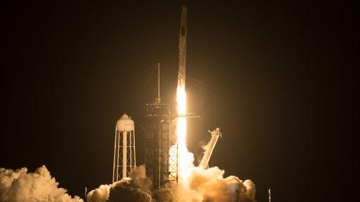 Crew-2: SpaceX lança mais quatro astronautas à ISS a bordo da nave Crew Dragon