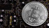 Bitcoin atinge US$ 8.000 nesta segunda-feira (20) e bate novo recorde