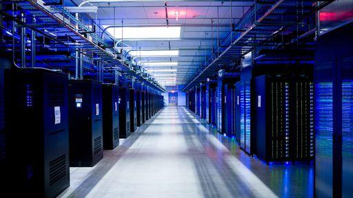 Conheça o interior do prédio que abriga os servidores do Facebook