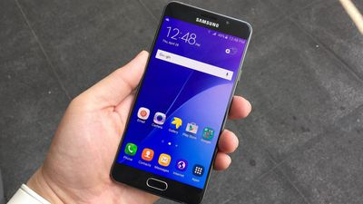 Samsung Galaxy A7 (2017) começa a receber o Android 7.0 Nougat