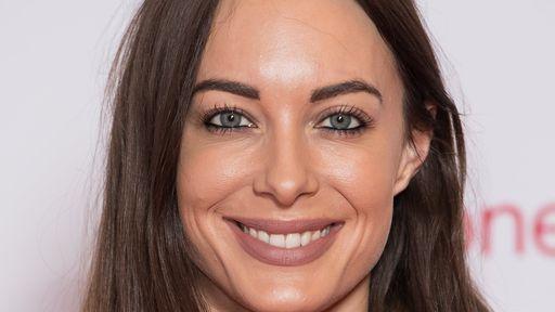 YouTuber britânica Emily Hartridge morre após colidir seu patinete com caminhão
