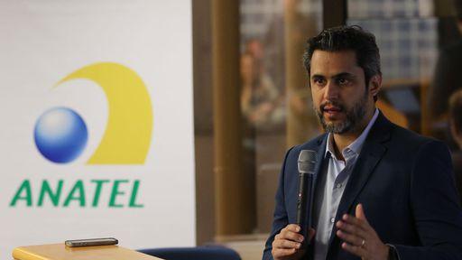 Interferência com parabólicas pode atrasar leilão do 5G no Brasil, aponta Anatel