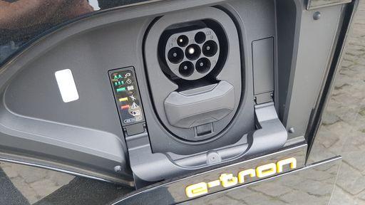 União Europeia quer antecipar proibição de carros à combustão para 2025