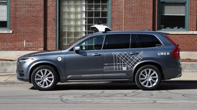 Uber volta a testar carros autônomos, mas com motoristas treinados no volante