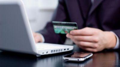 Como cobrar por produtos e serviços na internet