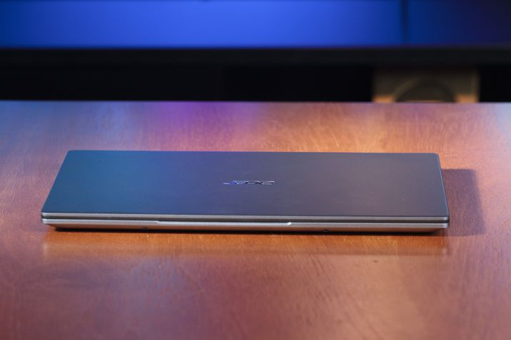 acer swift 3 tampa fechada frontal