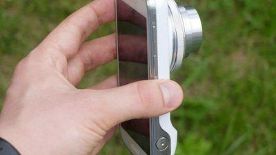 Samsung apresenta Galaxy S4 Zoom, mistura de smartphone com câmera