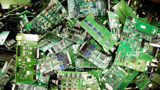 Brasileiros criam tecnologia que recicla metais preciosos de lixo eletrônico