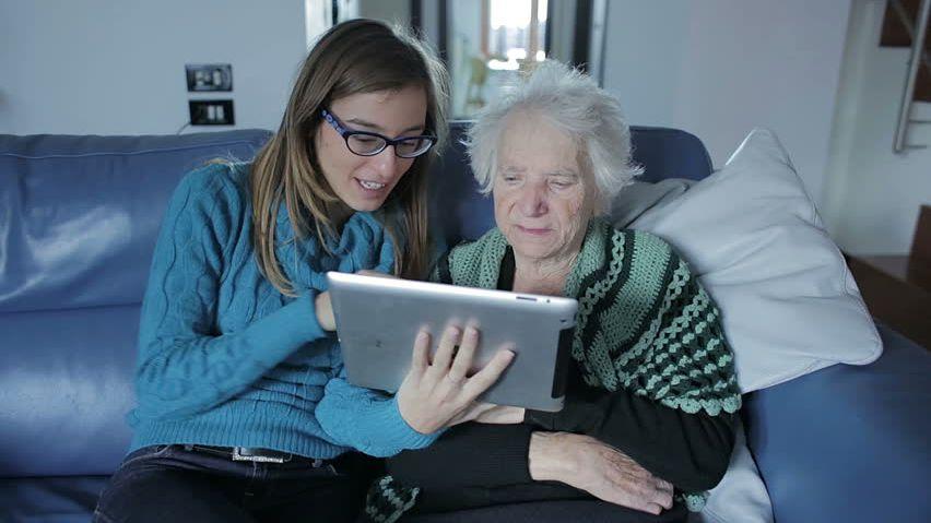 Conheça o primeiro tablet para idosos do Brasil - Canaltech