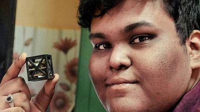 Indiano de apenas 18 anos de idade cria o menor satélite do mundo