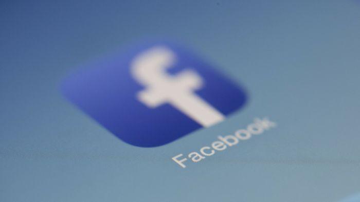 Facebook processa vendedora de domínios usados em golpes online