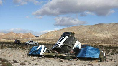 Explosão de nave espacial da Virgin Galactic deixa um morto em voo de teste
