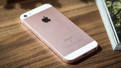 Apple trouxe o iPhone SE de volta com queima de estoque em sua loja oficial