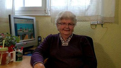 Senhora de 87 anos usa o Microsoft Paint para criar verdadeiras obras de arte