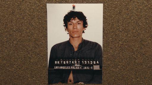 Crítica   Night Stalker mostra o sadismo perturbador de serial killer dos EUA