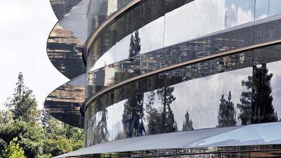 Funcionários da Apple estão se machucando nas paredes de vidro da nova sede
