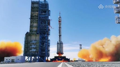 Sucesso! Trio de astronautas já está a bordo da nova estação espacial chinesa