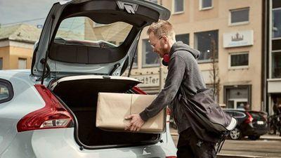Volvo cria sistema que faz entregas rápidas direto no seu porta-malas; entenda