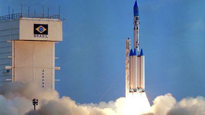 Brasil tenta parceria com SpaceX e Boeing para lançar foguetes até 2021
