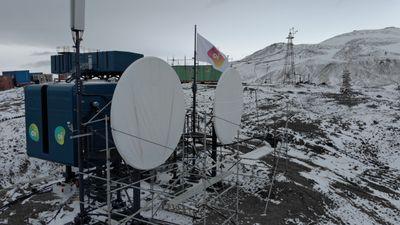 Bolsonaro inaugura sistema de comunicação na estação brasileira na Antártida