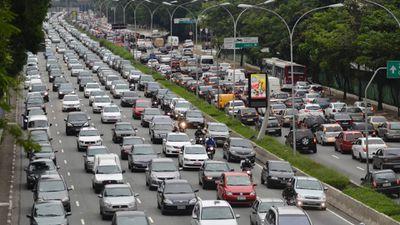 Waze terá função para ajudar motorista a encontrar vaga próxima ao destino final