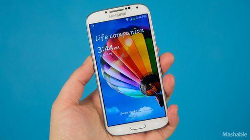 Galaxy S4 derrete e pega fogo embaixo de travesseiro