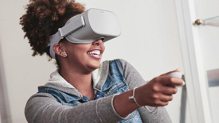 faf06067f Oculus Go traz realidade virtual a preço mais baixo e sem depender do  smartphone - RV-RA