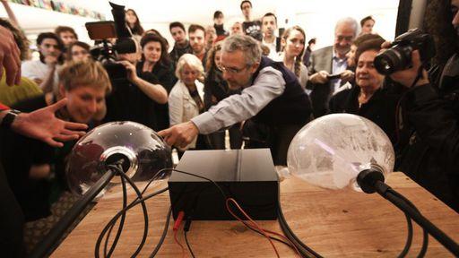 Designer cria acelerador de partículas caseiro em sua garagem
