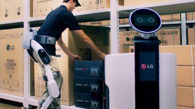 IFA 2018 | Exoesqueleto da LG ajuda a levantar cargas e a trabalhar em equipe
