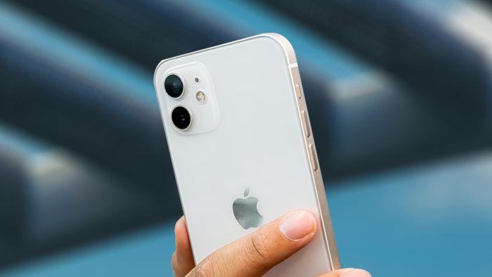 Apple reduz preço do iPhone 12 e 11 em até R$ 1.500; iPhone XR é descontinuado