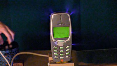 Confira o Nokia 3310 sobrevivendo a mais um teste extremo de resistência