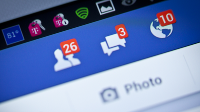 """Facebook dificulta """"stalk"""" e elimina o Ticker da barra lateral"""