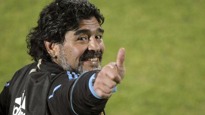 Vem guerra por aí? Konami responde ameaças de Diego Maradona