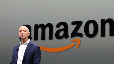 Com US$ 106 bilhões, Jeff Bezos supera fortuna de Bill Gates e é 1º do ranking