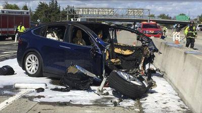Vítima do acidente com um Model X da Tesla recebeu avisos para retomar direção
