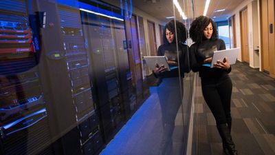Mulheres programadoras tendem a assumir apenas cargos juniores, aponta estudo