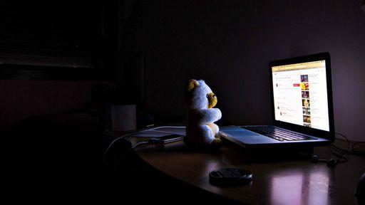 Predadores sexuais se disfarçam de coaches de emagrecimento nas redes sociais