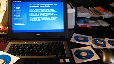 Ativista vai preso por vender discos de restauração do Windows